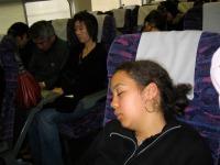 Daphnée, dans le Shinkansen, en route pour Aomori