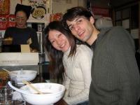 Namiko et Seb dans un petit restaurant typiquement Japonais.
